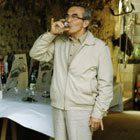 Wijn proeven in Frankrijk (1984) - Foto: Cor de Jong