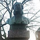 Standbeeld op Bellamyplein - Foto: Ronald Offerman