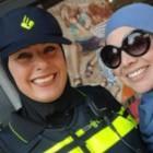 Agente met hoofddoek